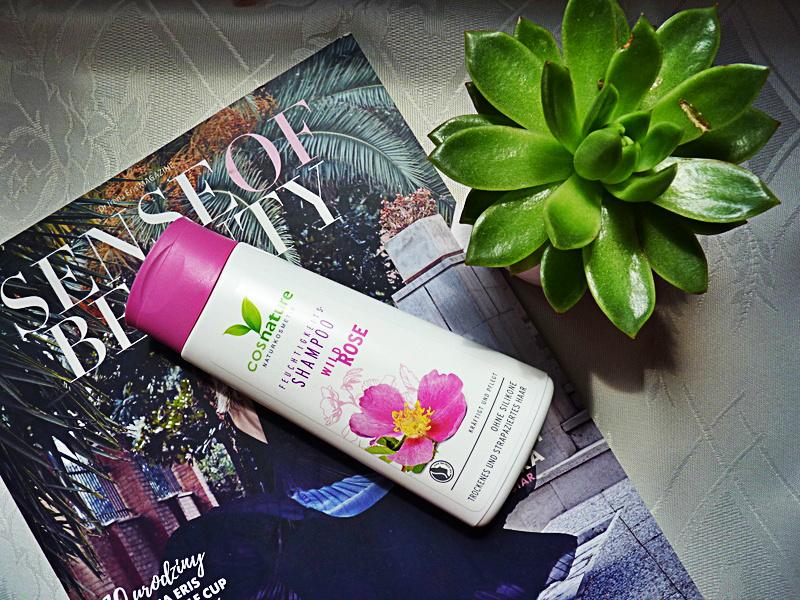 Naturalny nawilżający szampon do włosów z dziką różą  – Wild Rose Shampoo od Cosnature