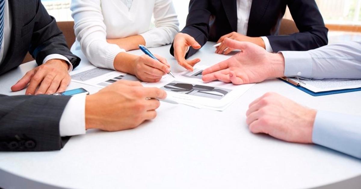 O que é etiqueta profissional e como ela pode ajudar você na carreira