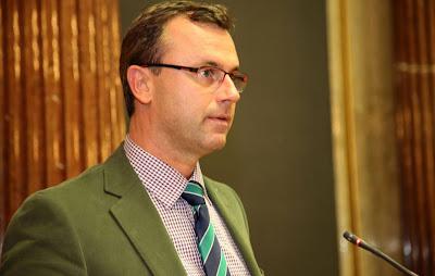 رئيس حزب الحرية يتنازل على منصبه في بوركينلاند