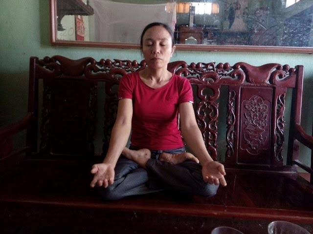 Cô Đỗ Thị Tuấn kiên trì ngồi thiền trường sinh học dưỡng sinh hàng ngày