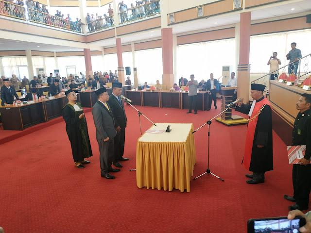 PN Watampone Ambil Sumpah Irwandi Burhan dan Indra Jaya Sebagai Ketua Dan Wakil Ketua DPRD Bone