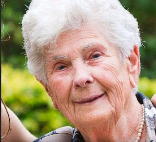 Belgian woman,Suzanne Hoylaerts 90,  dies of COVID-19 After refusing respirator, telling her doctor to save it for the young ones, who need it.