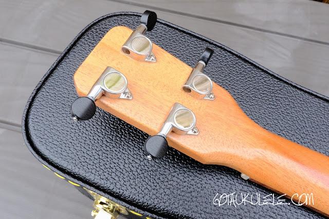 Bonaza Homestead baritone ukulele tuners