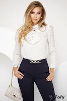Bluza ecru eleganta cu jabou si detalii aurii tip frunzulite