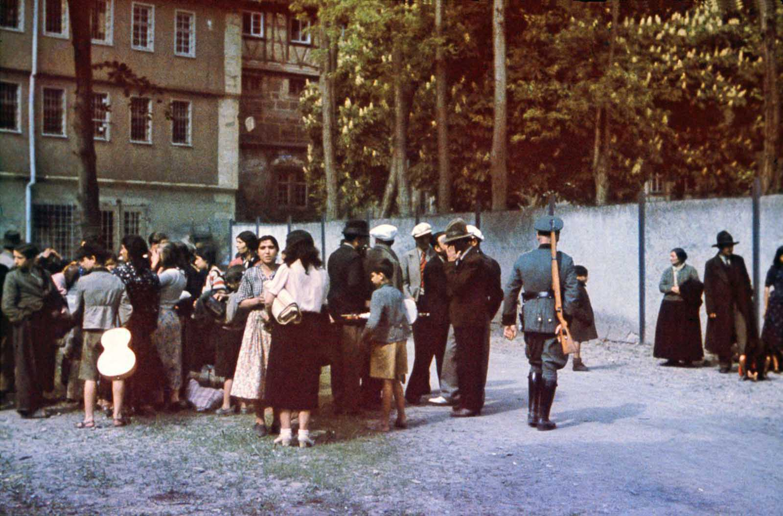 Sinti in the courtyard of Hohenasperg Prison prior to their deportation to camps in Poland. May 22, 1940.