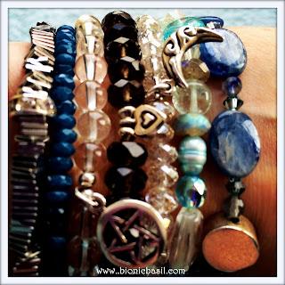 Mandalas on Monday ©BionicBasil® Colouring With Cats Mandala #117 Crystal Bracelets