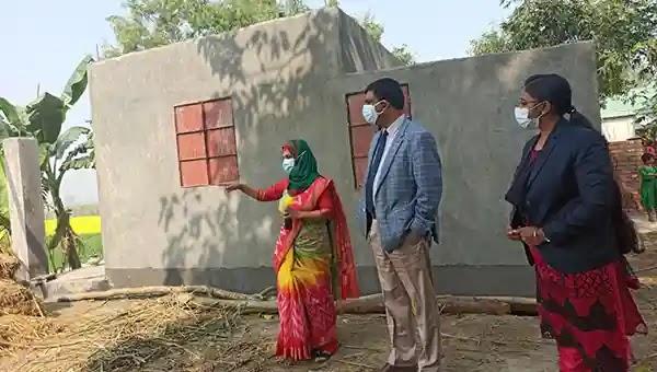 বকশীগঞ্জে ভূমিহীনদের জন্য নির্মাণাধীন ঘর পরিদর্শন