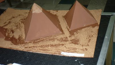 ejemplo de como hacer la maqueta de las pirámides de Egipto