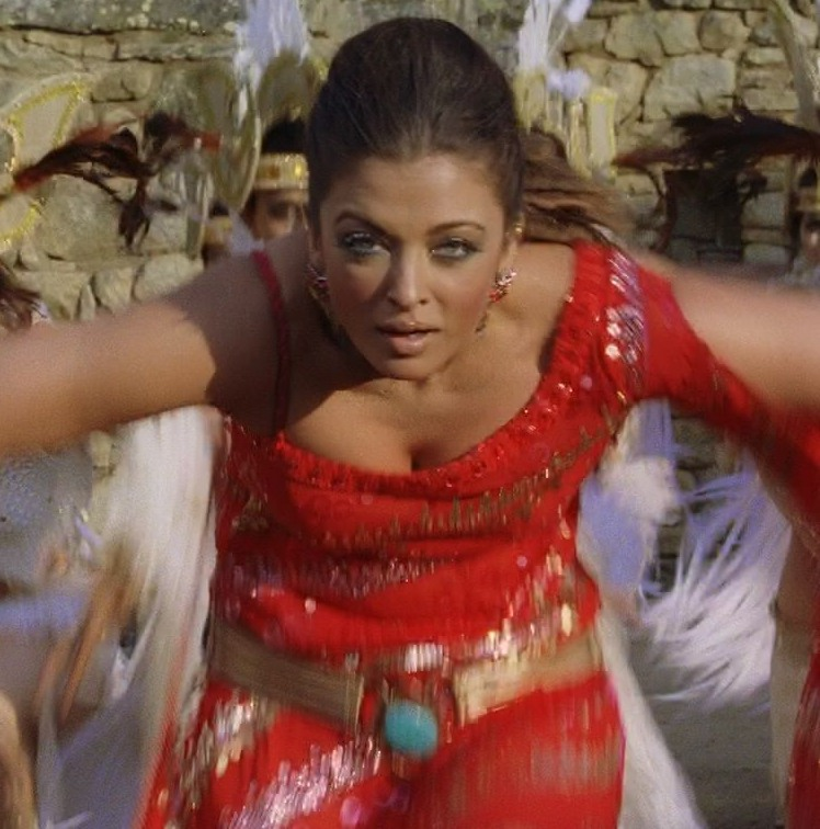 Aishwarya Rai Unseen Upskirt Photographs-4429