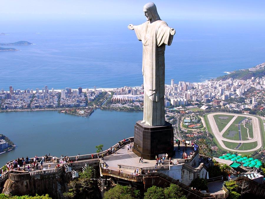 Статуя Христа Спасителя в Рио де Жанейро