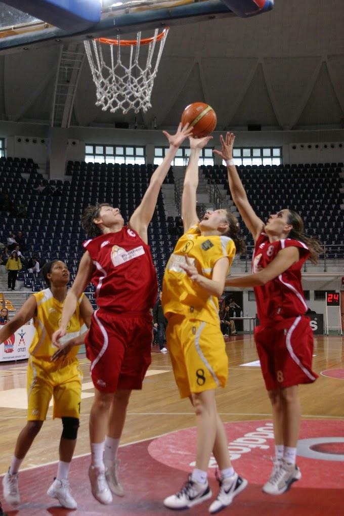 Ρετρό: Φωτορεπορτάζ από τον αγώνα Αρης-Ολυμπιάδα Λάρισας για την Α1 γυναικών την περίοδο 2009-2010