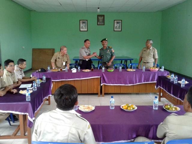 Danramil Subah hadiri Tim Monitoring pembangunan