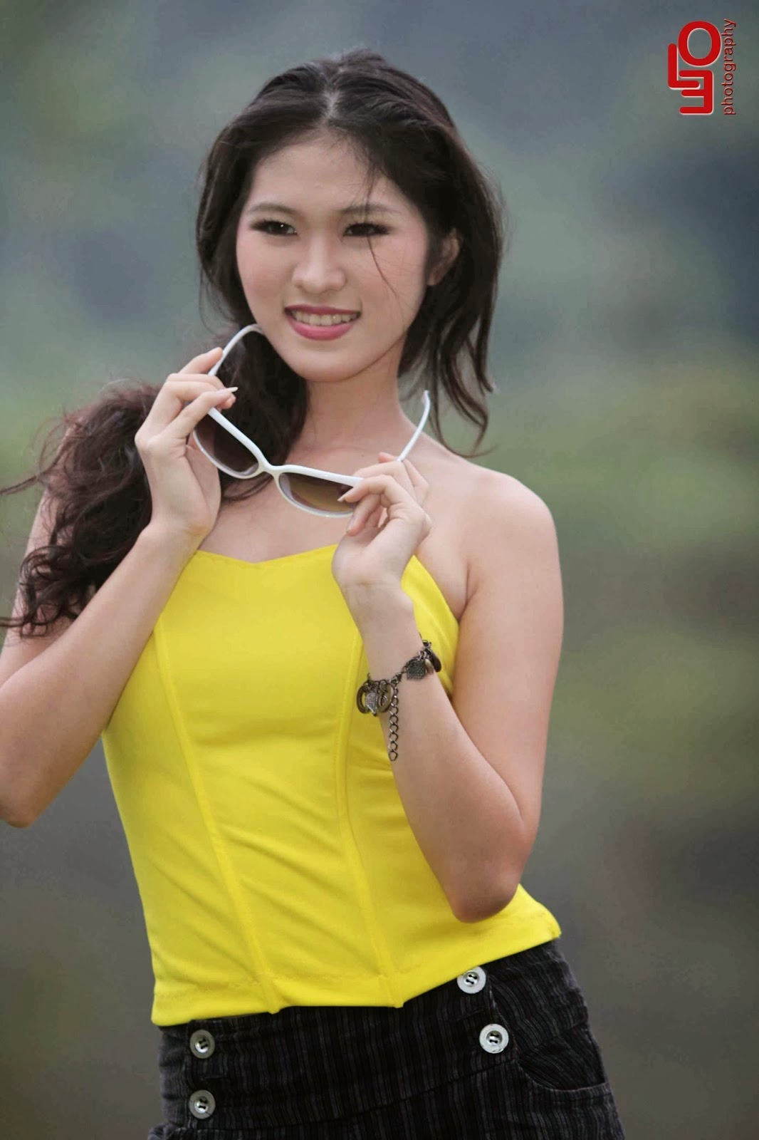 Michelle Ferd Photoshoot Collections in Yellow Beauty