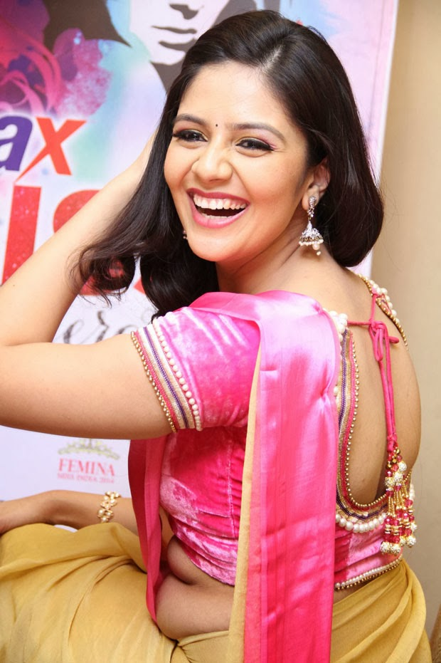 Sri Mukhi Picure Beautiful Position Gallery - SHINER PHOTOS