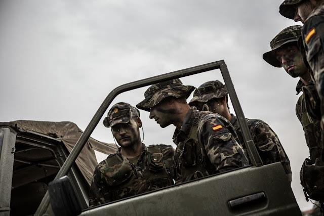 UNOS SOLDADOS DEL EJERCITO ESPAÑOL SE PIERDEN Y LLAMAN AL 112