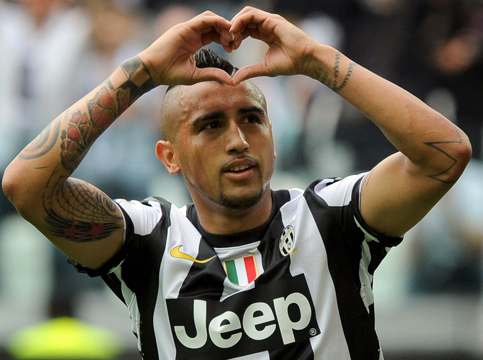 arturo-vidal-biography-facts-age-height-Girlfriend-2017-Images