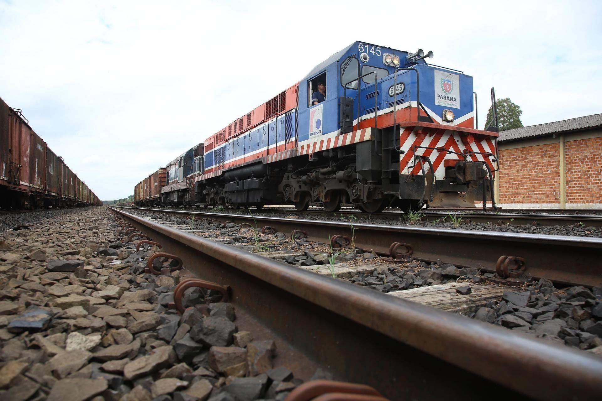 Portos do Paraná registra aumento na movimentação de cargas por ferrovias