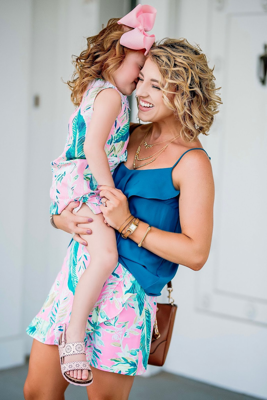 Twinning in Lilly Pulitzer for Fall: Coral Reef Tint Chimpoiserie - Something Delightful Blog