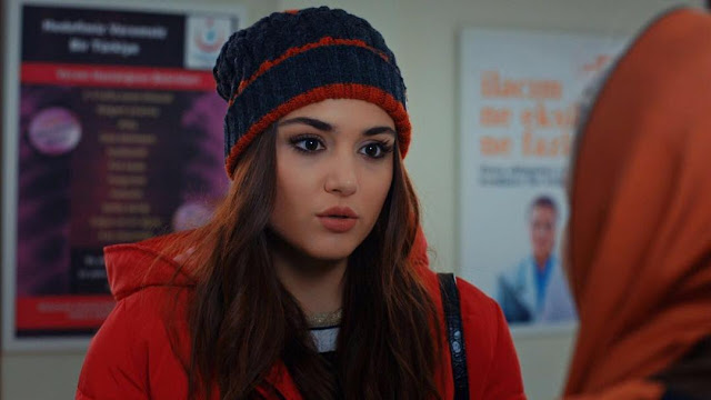 Hande Ercel Cute Wallpaper