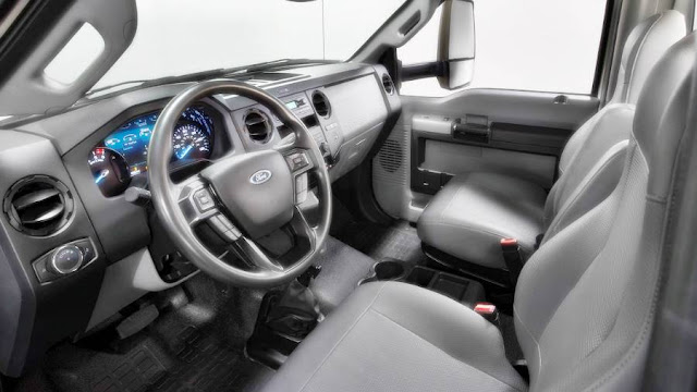 2020 F-600 Super Duty Interior