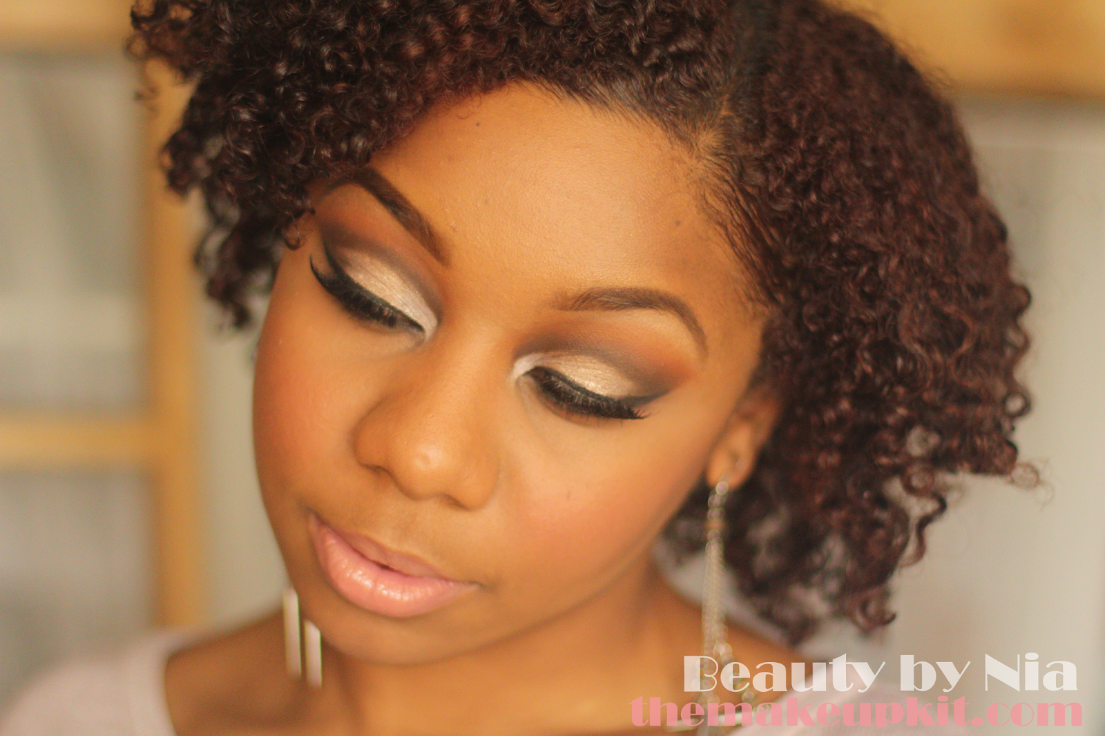 Soft Neutral Toned Cut Crease MakeUp Look 4