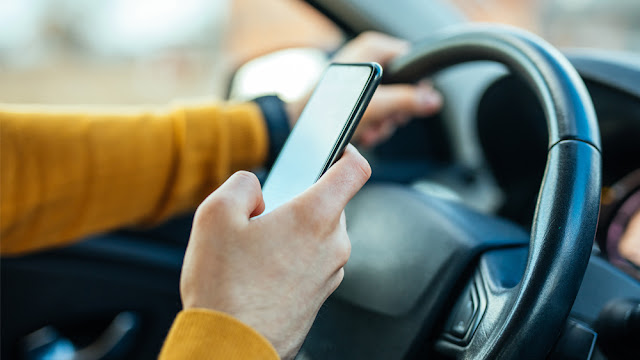 phone-use-driving