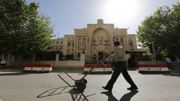 مجلس الشعب يناقش مشروع قانون يمنح العسكري المصاب حق الاكتتاب على سيارة سياحية خاصة