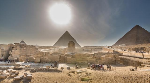 Giza Three Pyramids