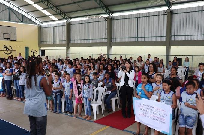 Turmas do Projeto Investigador Mirim em Belo Oriente encerram ano de 2019 com formatura