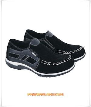 Sepatu Casual Pria Elegan Warna Hitam