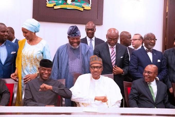 How Buhari, Osinbajo Now Greet In Aso Rock (photos)