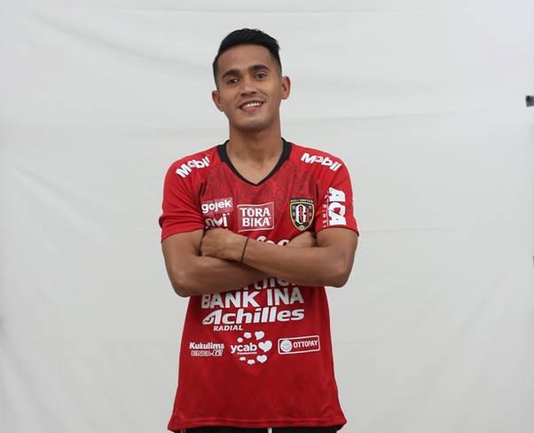 Bali United Dapatkan Tanda Tangan Sidik Saimima
