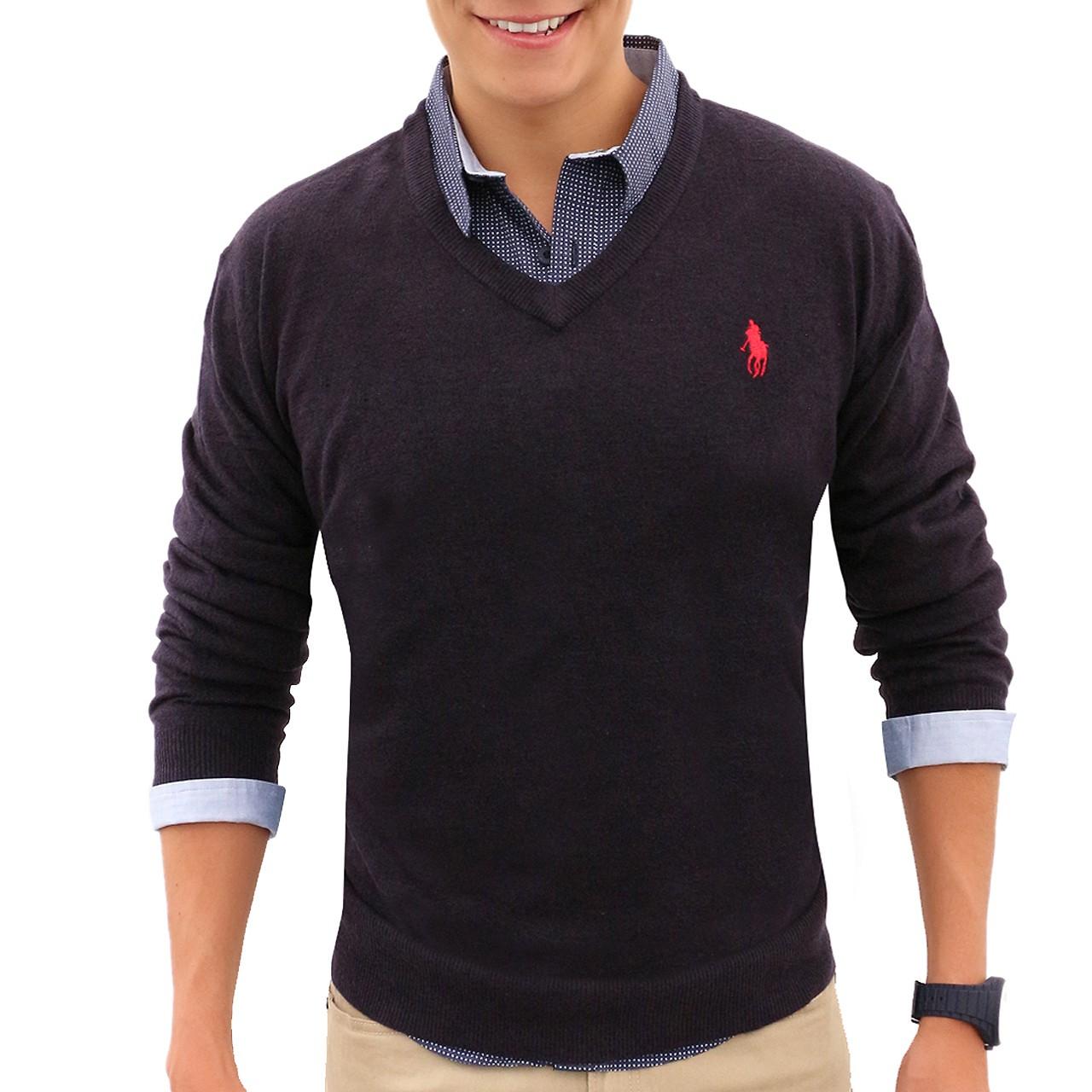 O legal da camisa polo é o fato de poder usar por cima dela um suéter ou um  cardigan e 5574d702a1b58