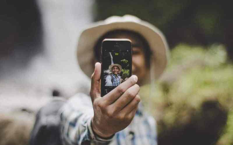 Smartphone dengan Kamera Selfie Terbaik