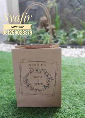 Paper Bag Vs Bayu Dinar