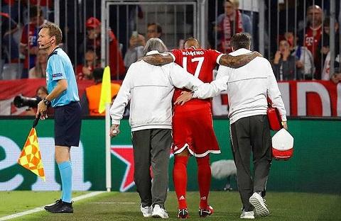 Boateng đã liên tiếp dính chấn thương