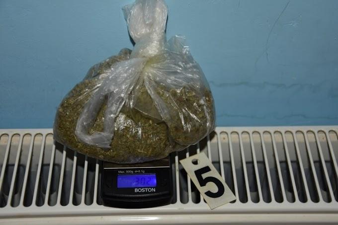 Rendőrkézen a 71 éves mohácsi drognagyi, aki az unokája jelenlétében árult