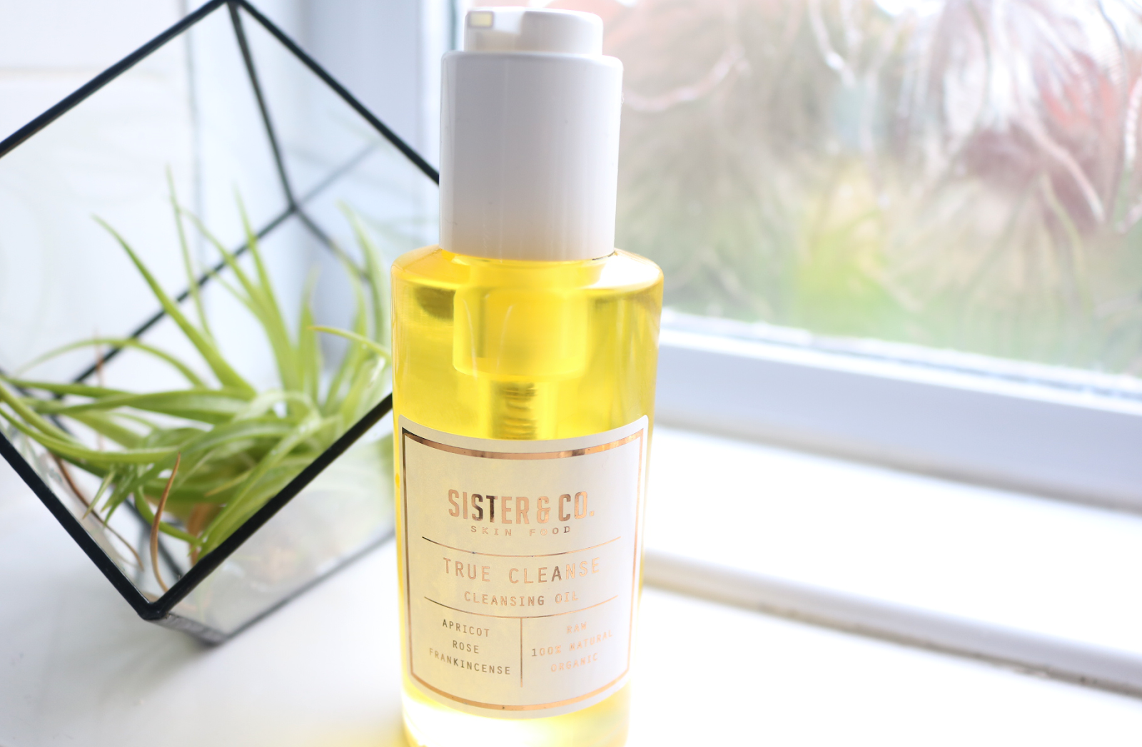 Sister & Co True Cleanse Cleansing Oil review