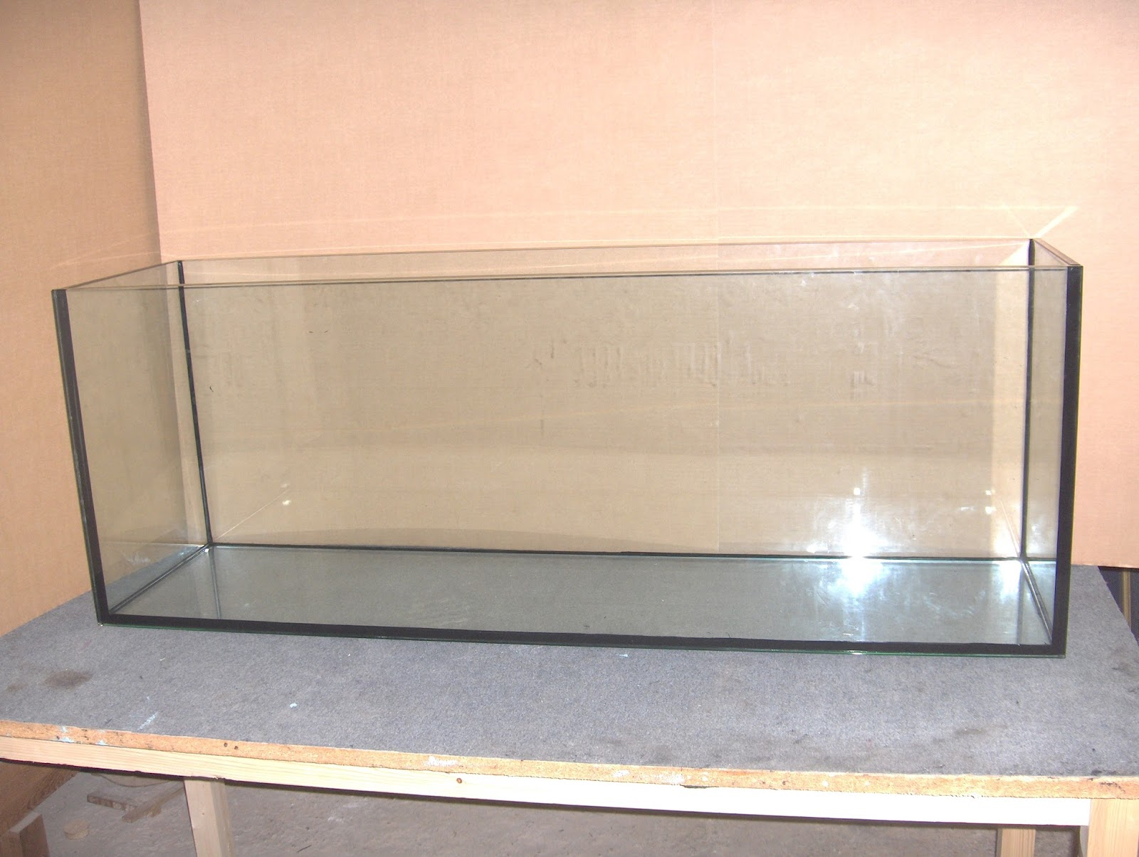Acuarios a medida tenerife acuario de 150x40x55 largo x for Acuarios a medida