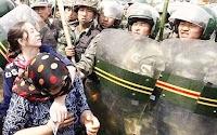 Dianggap Radikal, China Tangkap 40 Ribu Muslim Uighur yang Download Alquran