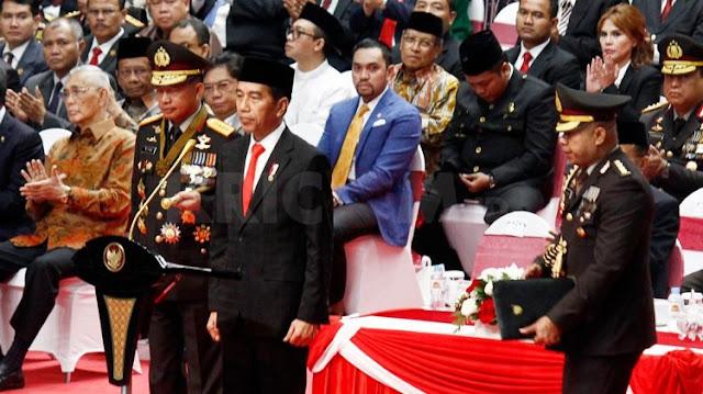 Ekonomi Indonesia Melemah, Jokowi Didesak Pecat Sri Mulyani dan Rini Soemarno