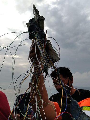 Pesawat Sriwijaya Air Jakarta-Pontianak Diduga Meledak di Kepulauan Seribu, Ini FOTO-FOTO Serpihannya