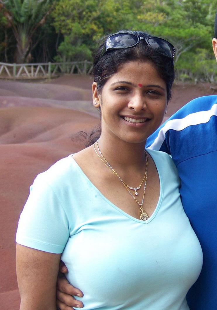Indian big tit with bra