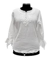 Şile bezi kumaşından beyaz işlemeli bir bluz modeli