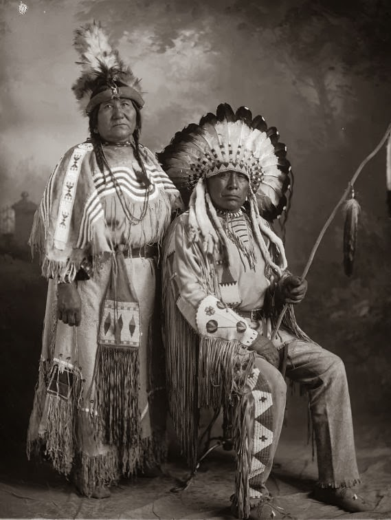 blackfoot girls A complete historical record of the blackfoot indian tribe that includes, chief, dress, village, tipi, woman, canada, dancing, dogs, children, painitngs, warriors, reservation an d.