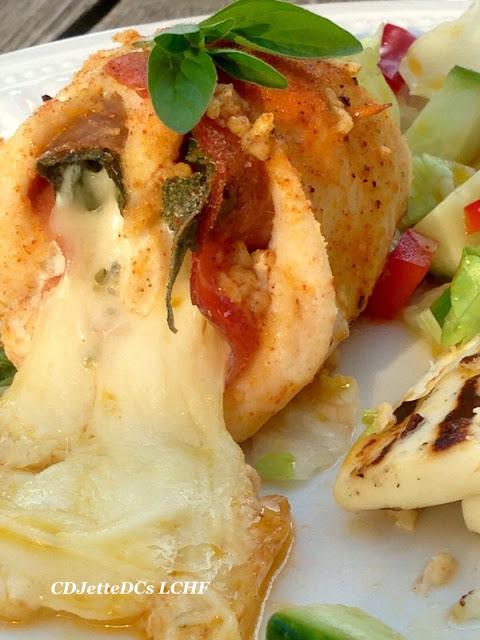 Opskrift på grillede kyllingesaltimbocca med ost på CDJetteDCs LCHF
