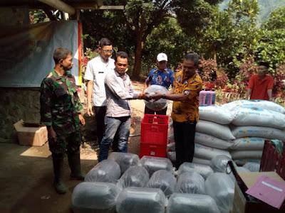 TMMD, Petani Ikan Air Tawar Desa Jembul Terima Bantuan Benih Lele dan Nila