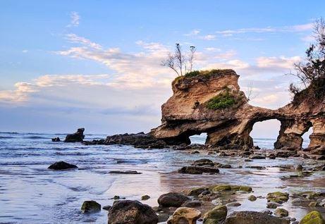 Pantai Watuparunu