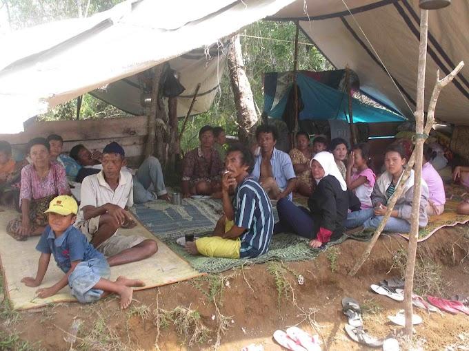 Memori Gempa Bengkulu Tahun 2000, Tidur di Pengungsian