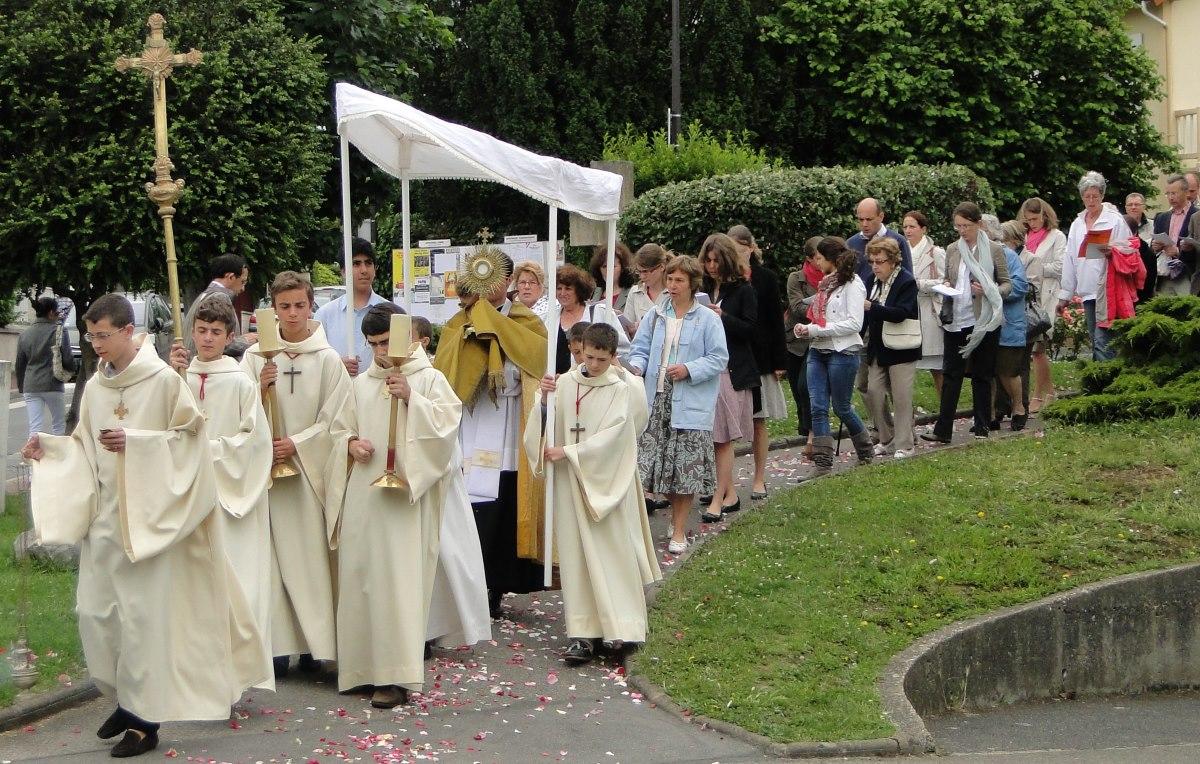 http://www.saintmaximeantony.org/2017/06/procession-du-saint-sacrement-18-juin.html
